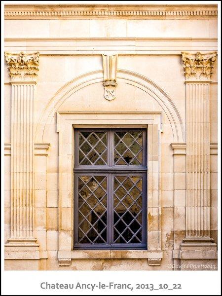 454_Chateau_Ancy-le-Franc2013_10-Edit.jpg