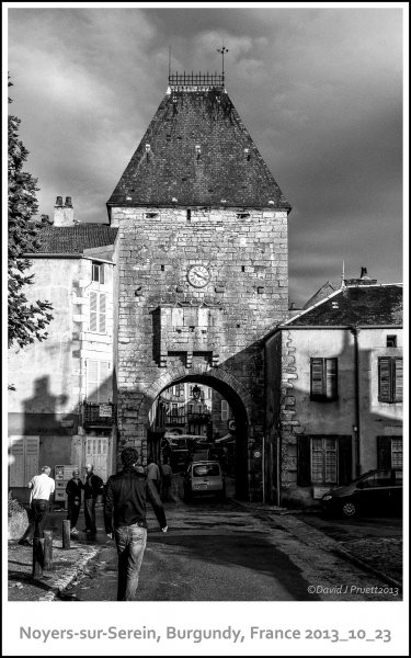 687_Noyers-sur-Serein2013_10-Edit-Edit.jpg