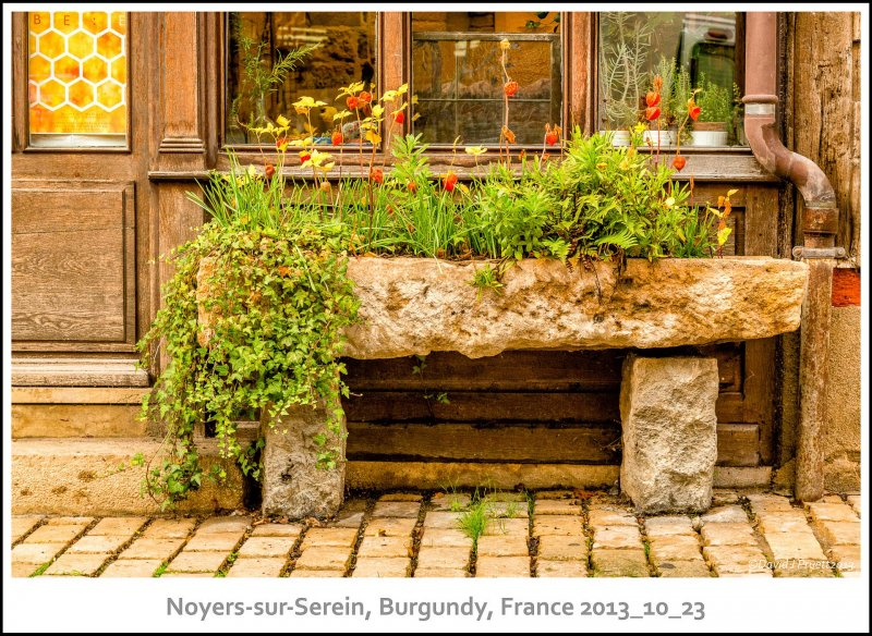 693_Noyers-sur-Serein2013_10-Edit.jpg