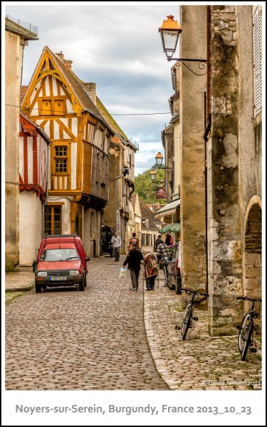 694_Noyers-sur-Serein2013_10-Edit.jpg