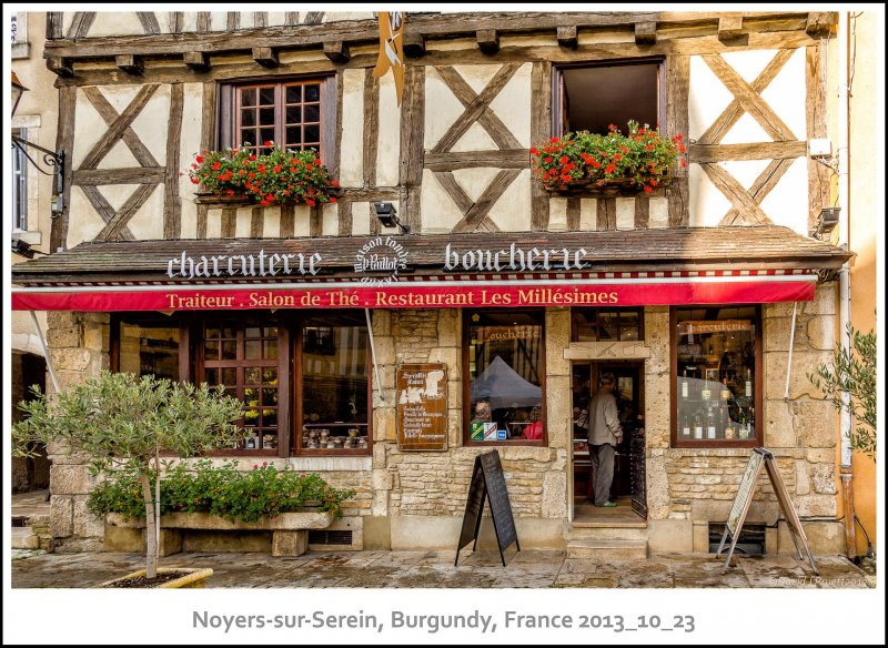 723_Noyers-sur-Serein2013_10-Edit.jpg