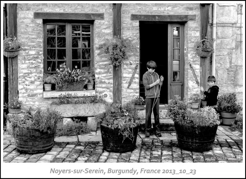 732_Noyers-sur-Serein2013_10-Edit.jpg
