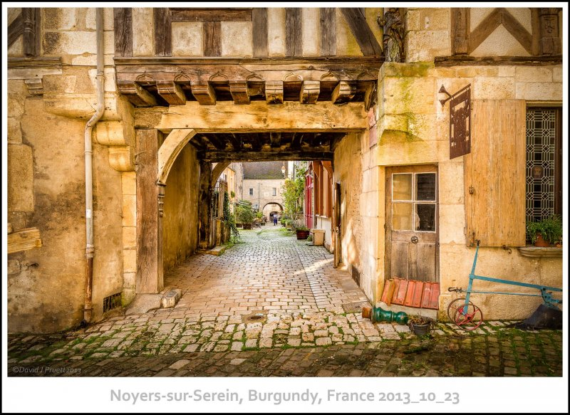 737_Noyers-sur-Serein2013_10-Edit-Edit.jpg