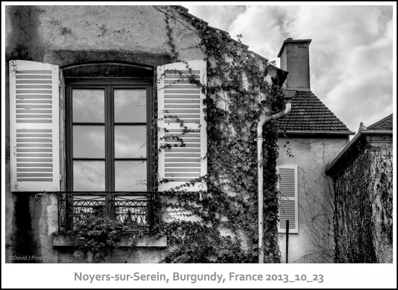 751_Noyers-sur-Serein2013_10-Edit.jpg